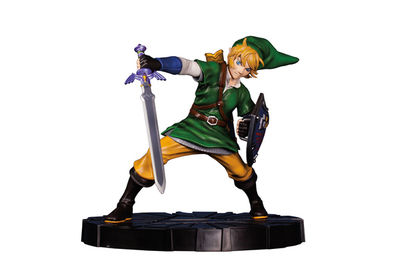Legend of Zelda: Skyward Sword - Link Figure NOV150115