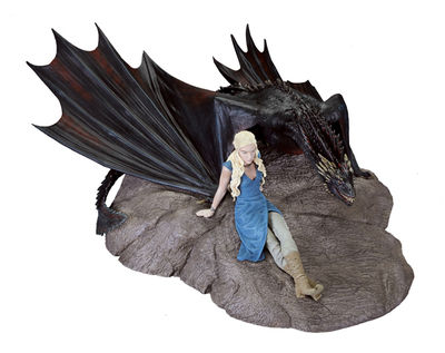 Game of Thrones Statuette: Daenerys and Drogon