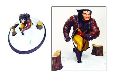 Marvel Premier Collection Statue: Wolverine in Snow AUG152317U