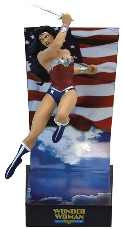DC Comics Wonder Woman New 52 Premium Motion Statue AUG172705J