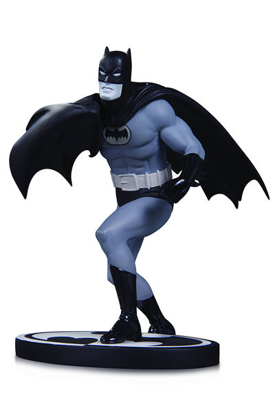 Batman Black & White Statue Batman By Infantino DEC150385X