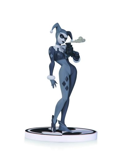 Batman Black & White Harley Quinn Statue review at TFAW.com